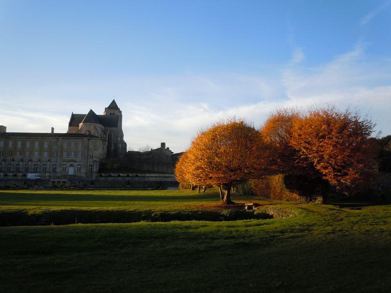 photo abbaye royale de CELLES SUR BELLE